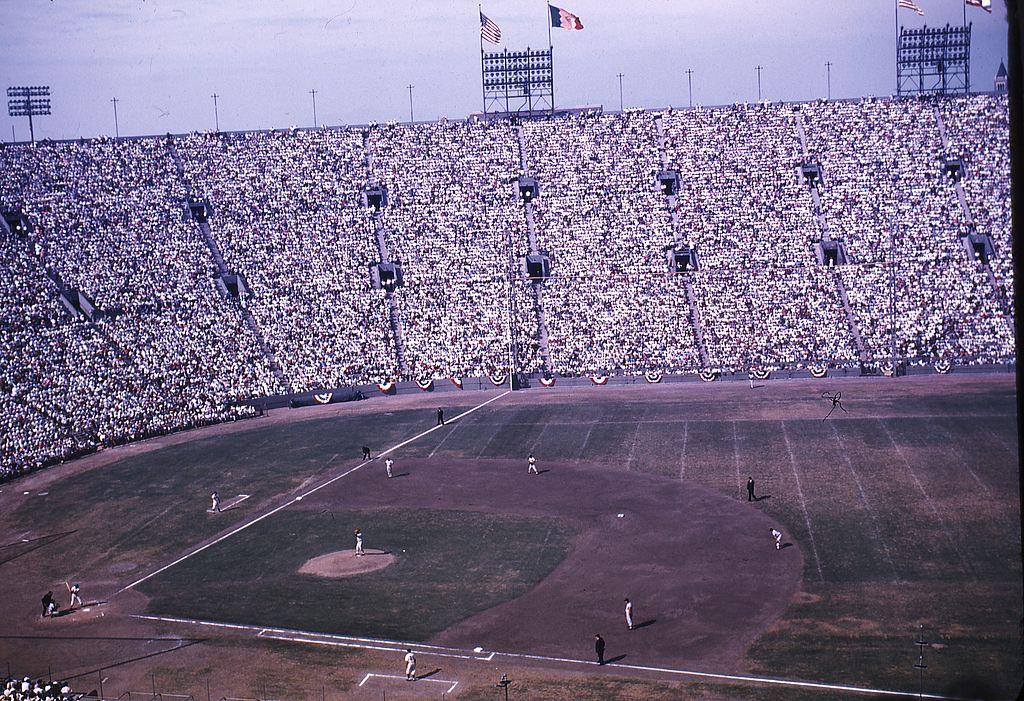 rp_1024px-LA_Coliseum_1959_World_Series.jpg